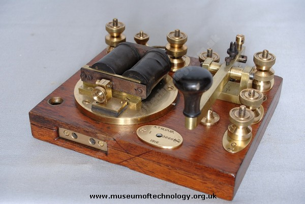 WW1 MORSE KEY AND SOUNDER, 1916