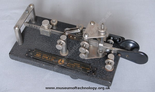 WWII BUG OR PADDLE MORSE KEY, 1942
