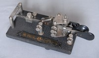 Image of WWII BUG OR PADDLE MORSE KEY, 1942