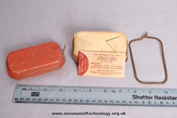 WWII CARLISLE  FIRST AID PACKET