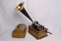 Image of THE EDISON STANDARD PHONOGRAPH, 1900's