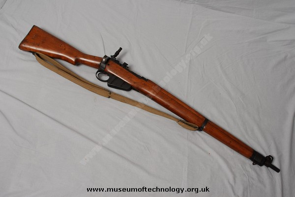 WWII LEE ENFIELD No 4 Mk2 RIFLE, 1945