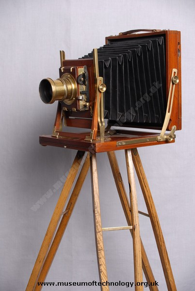 VICTORIAN WHOLE PLATE CAMERA, 1900's