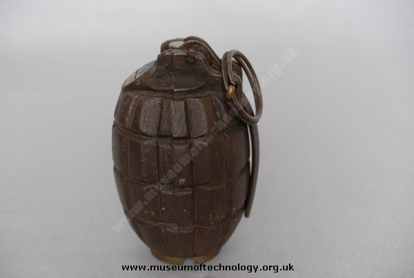 WW1 No. 5 BRITISH MILLS GRENADE