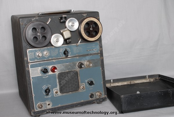 BOOSEY & HAWKS WIREK TYPE 'A' WIRE RECORDER , 1945