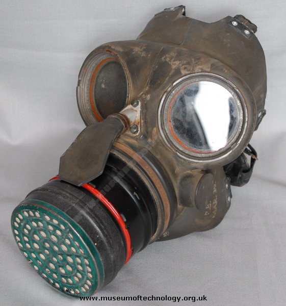 WWII DUTY GAS MASK (RESPIRATOR), 1939
