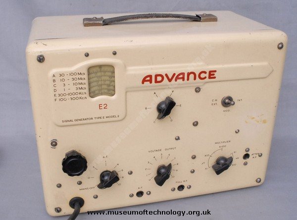 ADVANCE SIGNAL GENERATOR TYPE E MODEL 2, 1949