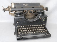 Image of ROYAL No 10 TYPEWRITER, 1927