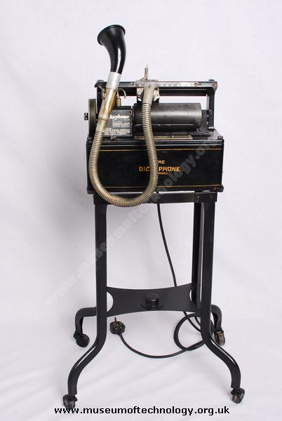 DICTAPHONE RECORDING MACHINE, circa 1940