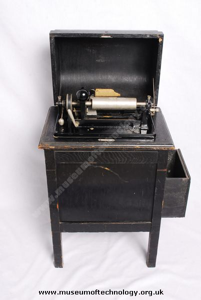 DICTAPHONE SCRAPING MACHINE MODEL 7 TYPE 'S', circa 1940